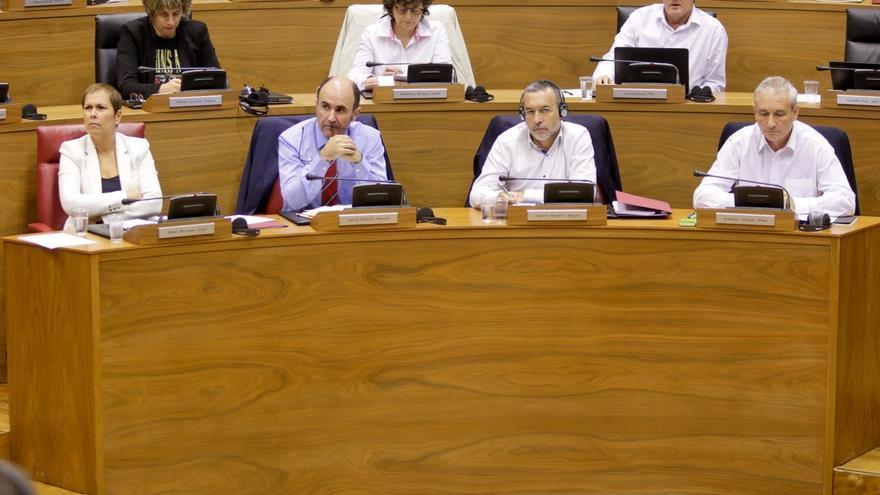 Barkos dice que no colocará la ikurriña en el Gobierno de Navarra y afirma que los ayuntamientos podrán hacerlo