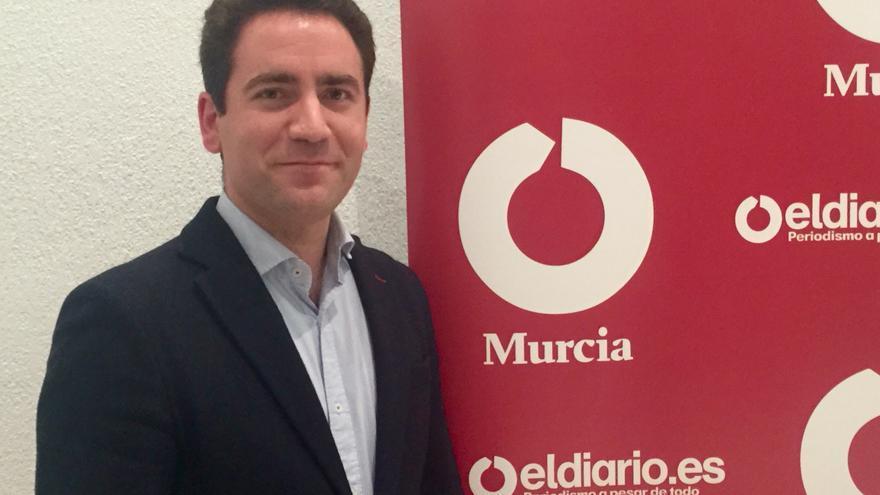 Teodoro García, candidato popular al Congreso, visita la redacción de Eldiariomurcia