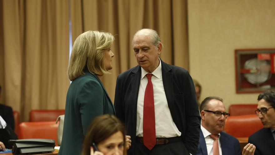 Los grupos buscan hoy un acuerdo sobre la responsabilidad de Fernández Díaz y Cosidó en el uso político de Interior