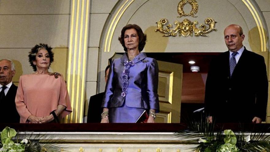 El ministro Wert ha sido abucheado a su salida al palco del Teatro Real
