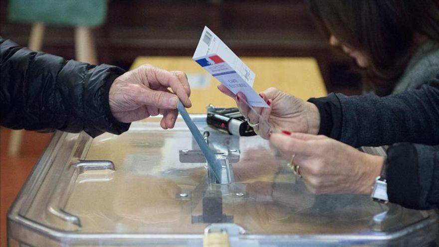 Tras las regionales francesas se abre la batalla por las presidenciales de 2017