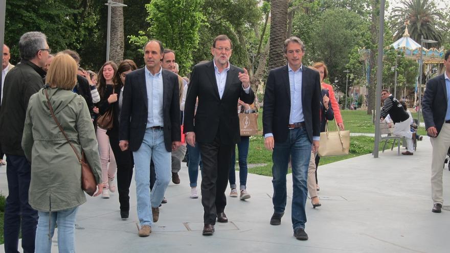 Rajoy reparte saludos entre los santanderinos