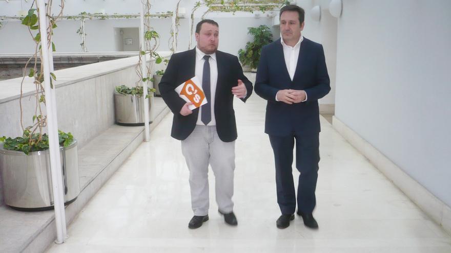 Rubén Gómez y Juan Ramón Carrancio, diputados autonómicos de Ciudadanos Cantabria.
