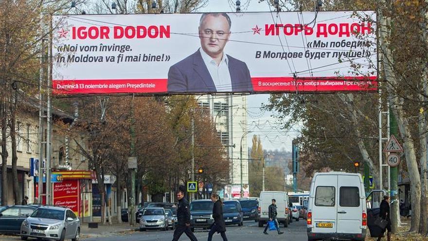 Moldavia elige mañana a su presidente entre un prorruso y una europeísta