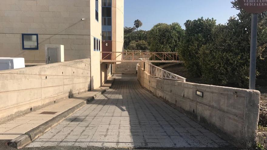 Entrada a los calabozos de los juzgados de San Bartolomé de Tirajana.