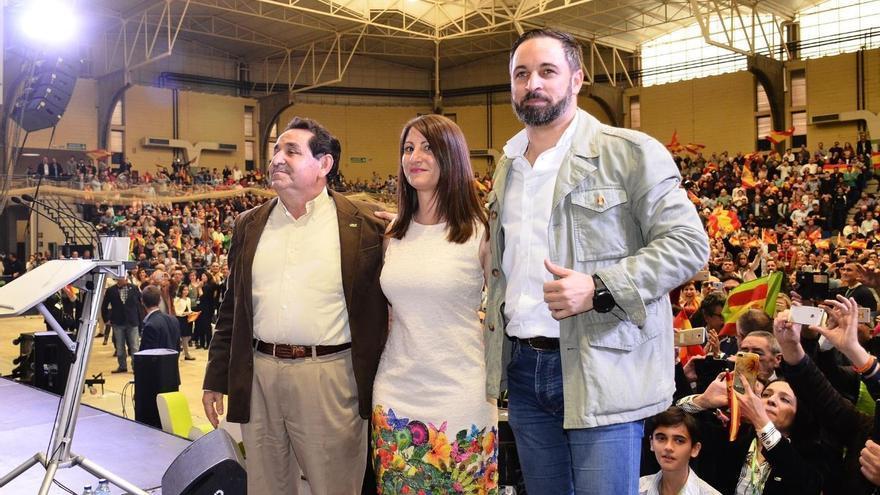 Manuel Mestre, Ana Vega y Santiago Abascal en Alicante