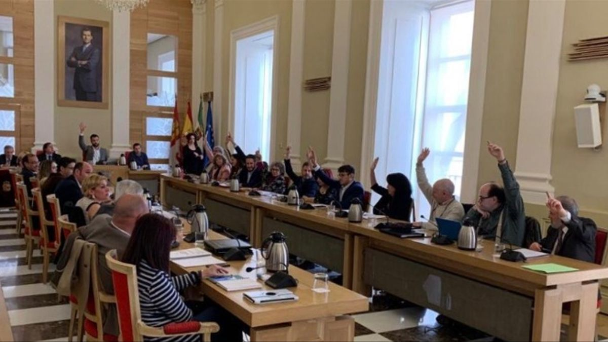 Pleno del Ayuntamiento de Cáceres / Archivo