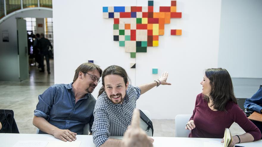 Pablo Iglesias, Irene Montero y Xavier Domènech, en la reunión de 'Rumbo 2020'.