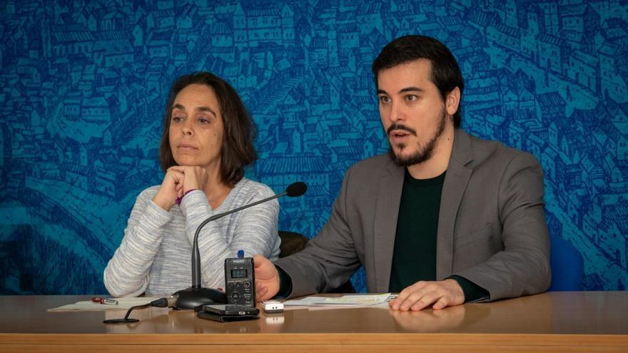 La concejala toledana de Transparencia y Participación, Helena Galán, y el director general de Participación Ciudadana de la Junta, José Luis García Gascón / Ayuntamiento de Toledo