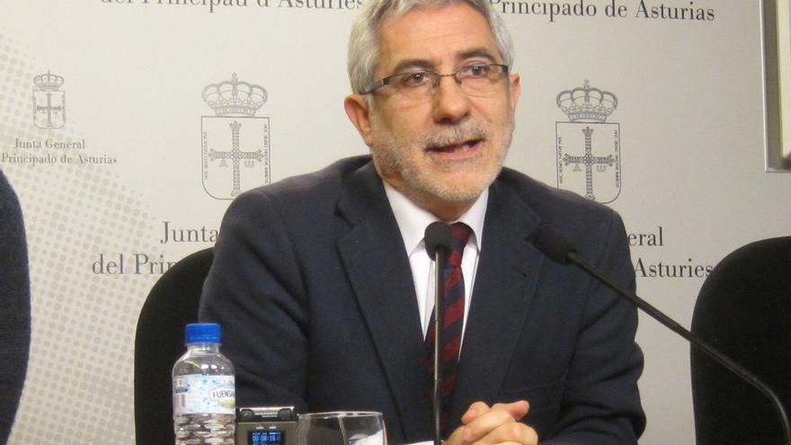 """Llamazares reconoce la """"clara victoria del sí"""" a la confluencia con Podemos aunque pide que se gestione """"con prudencia"""""""