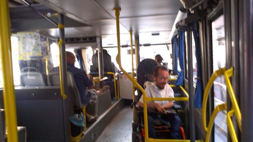 Pablo en bus