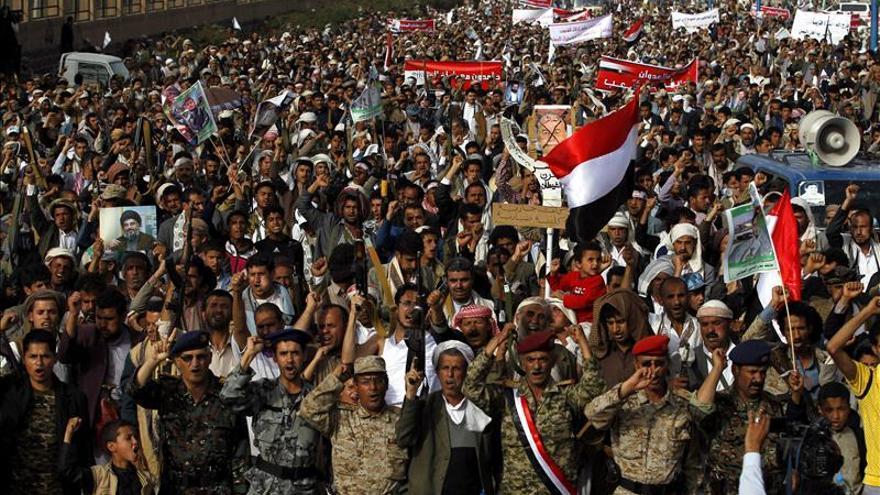 Riad abre la puerta a una nueva tregua en Yemen, mientras continúan los choques