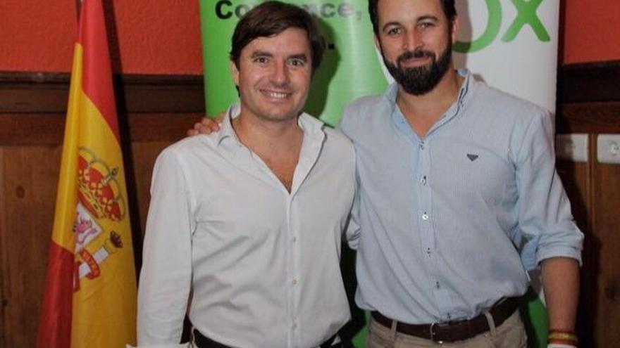 Nicasio Galván Sasia, junto a Santiago Abascal