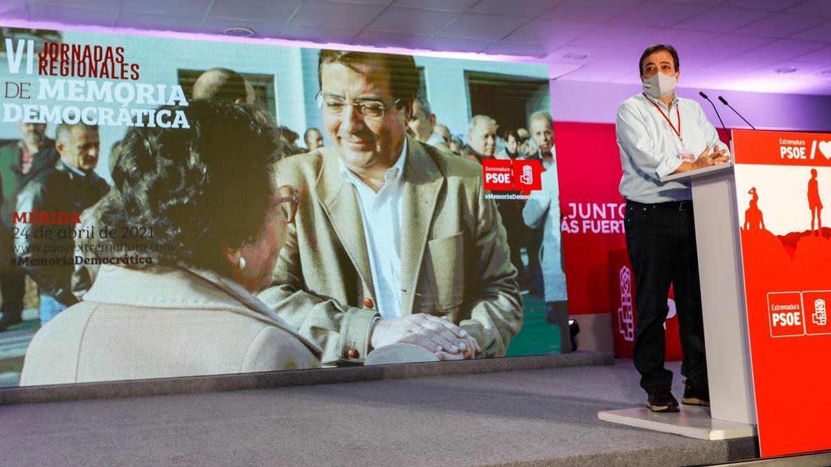 Guillermo Fernández Vara, en las jornadas de Memoria Democrática del PSOE regional, en la que ha hecho estas declaraciones