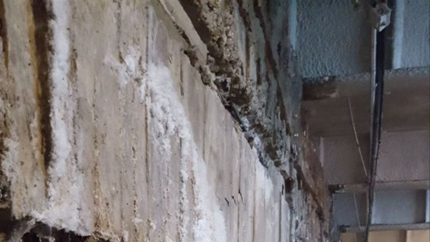 Antiguas filtraciones de agua que ya han sido subsanadas en el Parking de San Bernardo. Cedida