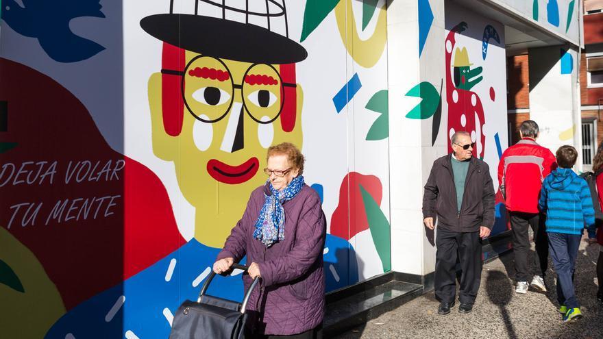 Se decoran las fachadas de los locales vacíos para facilitar su comercialización