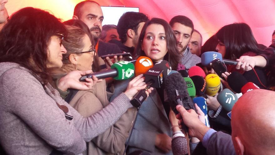 """Arrimadas pide a Iceta no tratar de """"ser presidente a toda costa"""""""