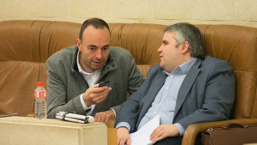 Los diputados José Ramón Blanco y Alberto Bolado. | ROMÁN GARCÍA