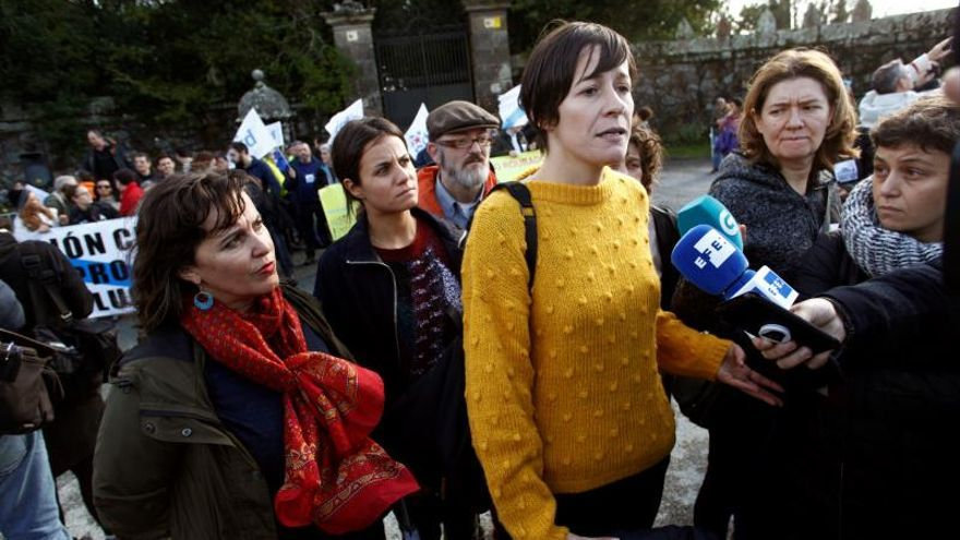 Unos 30 colectivos exigen en Sada (A Coruña) la devolución del Pazo de Meirás