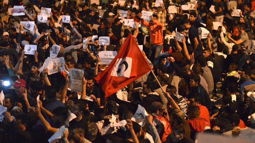 Tres meses de cárcel para un periodista marroquí por incitar a manifestarse en el Rif