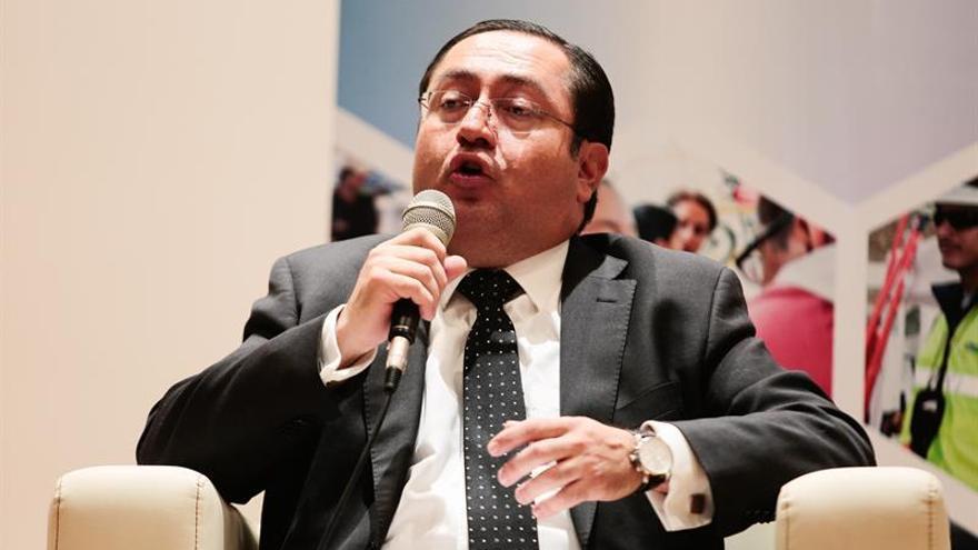 Ecuador tratará de llegar a equilibrio fiscal en cuatro años