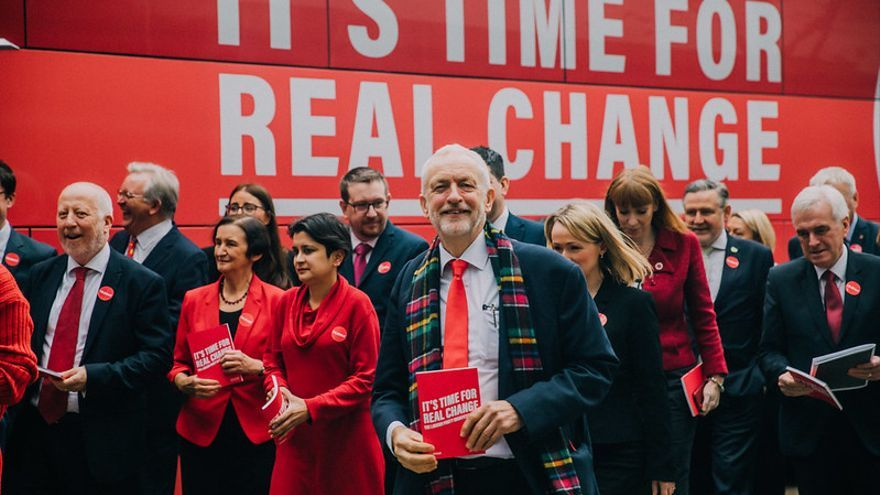 Ocho propuestas electorales del Partido Laborista de UK que suenan radicales para la socialdemocracia española