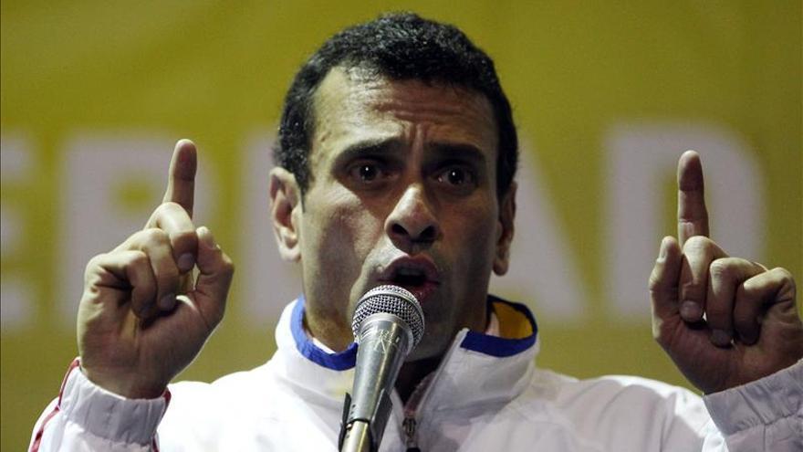 """Capriles asegura que """"no hay manera"""" de que chavismo gane las legislativas"""