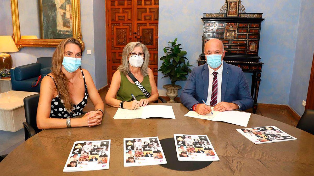 Firma del acuerdo entre la Diputación y la Plataforma de Apoyo al Lobby Europeo de Mujeres.