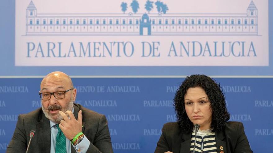 Vox exige a Casado que rectifique para negociar los presupuestos de la Junta