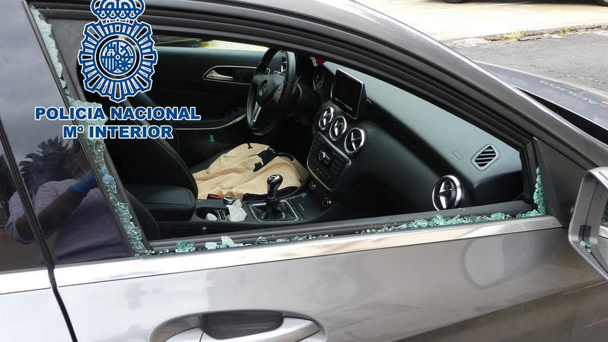 Imagen de los daños ocasionados en un turismo, en el polígono del Mayorazgo