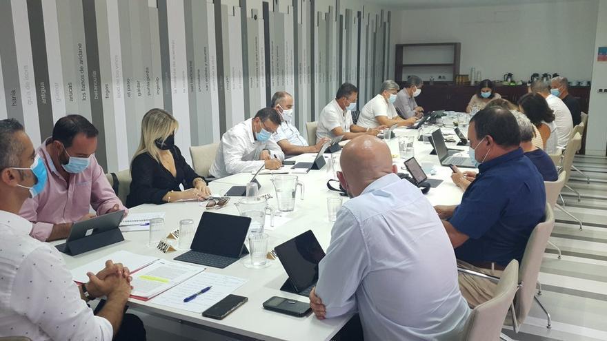Los municipios canarios reclaman la derogación de la Ley de Estabilidad Presupuestaria y en la supresión de la regla de gasto