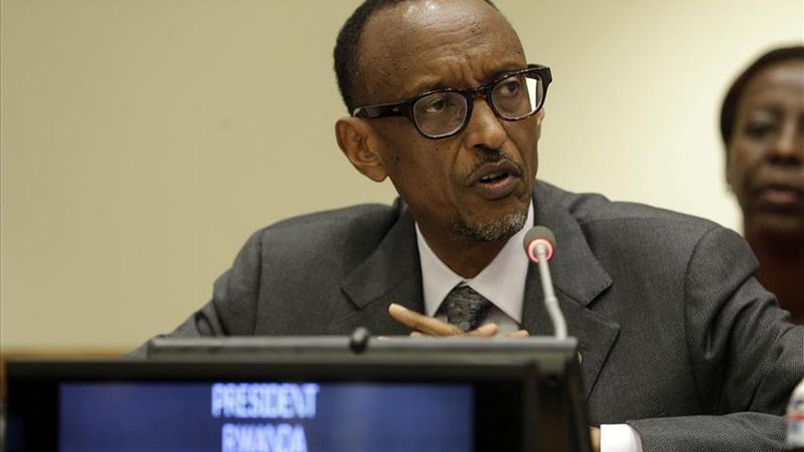 Diez años de cárcel para un cantante ruandés por conspirar contra Kagame