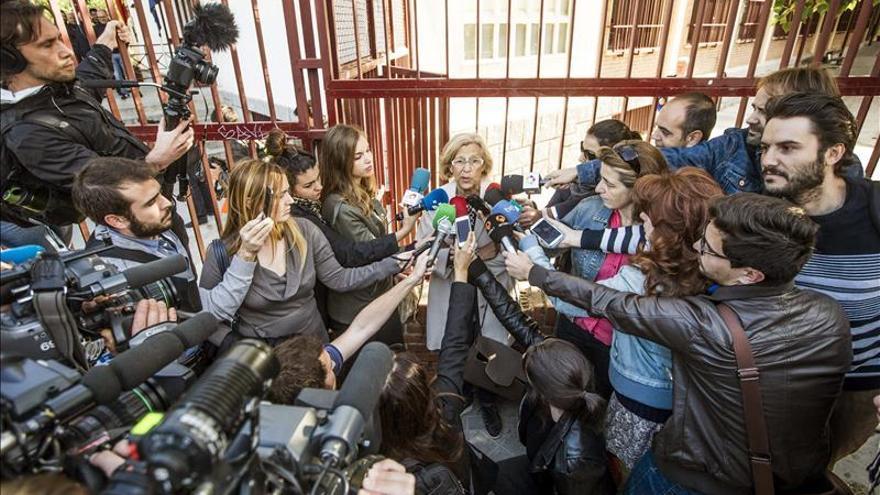 El PP denuncia ante la junta a Ahora Madrid por credenciales con la foto de Carmena