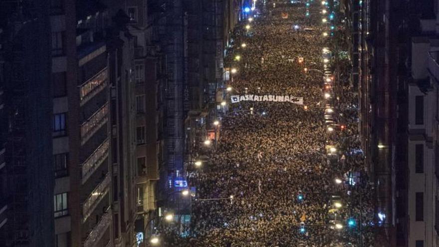 Imagen desde el aire de la manifestación celebrada este sábado en Bilbao / EFE