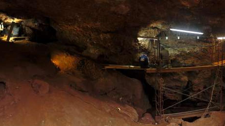 Cueva El Conejar Caceres Paleolitico