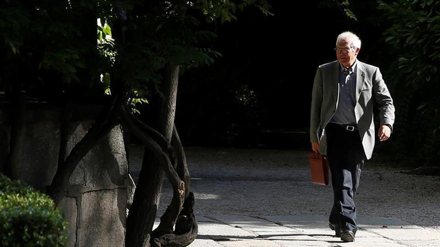 """Borrell compara a Junqueras con Farage por sus """"mentiras"""" sobre la independencia"""