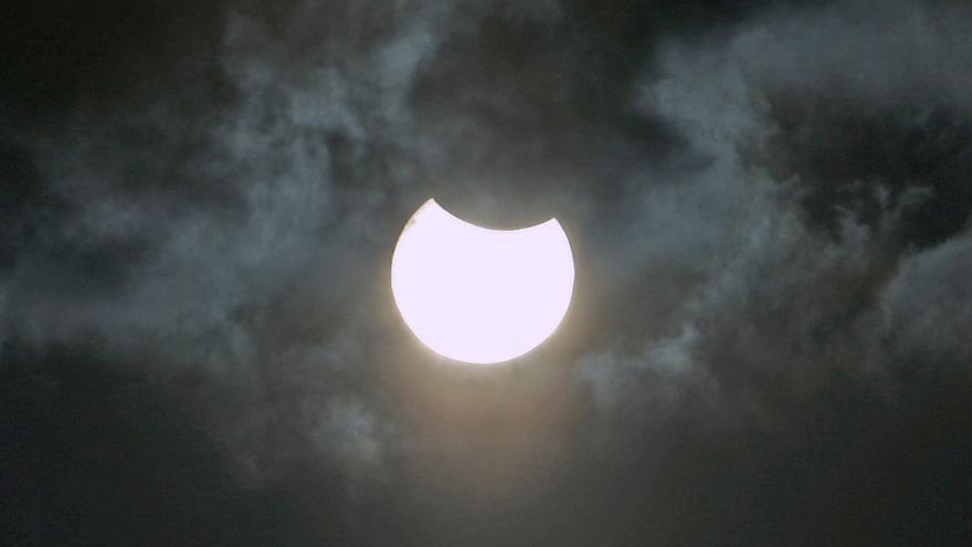 Eclipse de sol desde el sureste de Gran Canaria. (Alejandro Ramos)