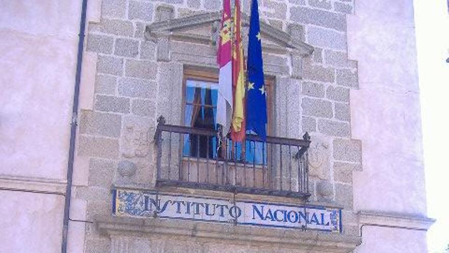 Antiguo edificio de enseñanzas medias en Talavera de la Reina