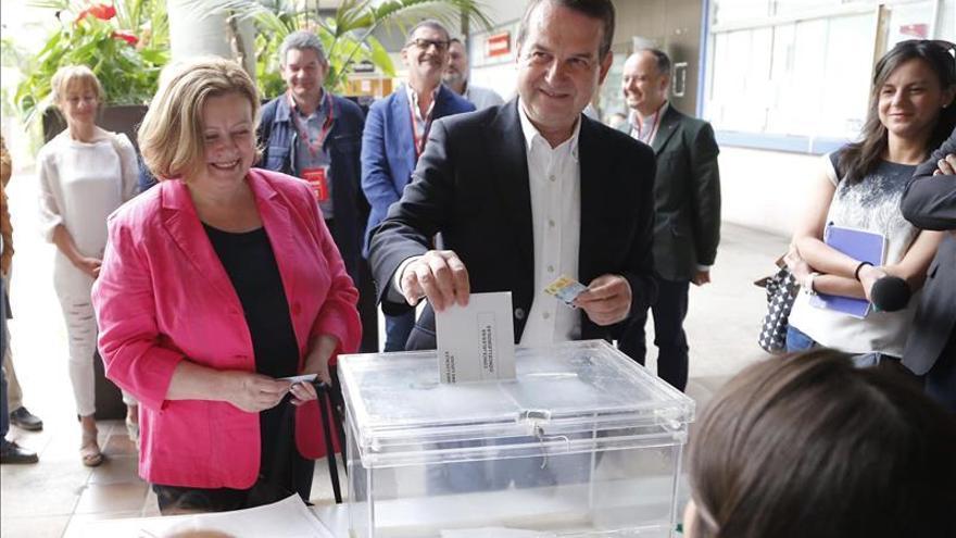 Caballero gana en Vigo, el PP se desploma y la Marea ocupa el espacio del BNG