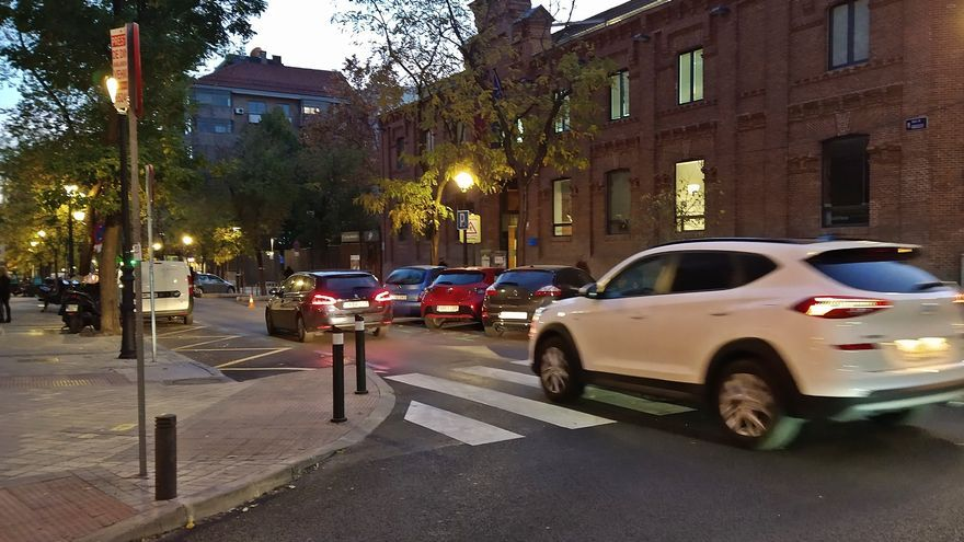 El Ayuntamiento evita reformar la polémica calle Galileo: tampoco habrá paso de cebra elevado