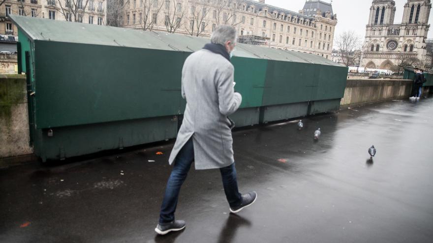Francia prueba unos días con más restricciones si puede evitar otro confinamiento