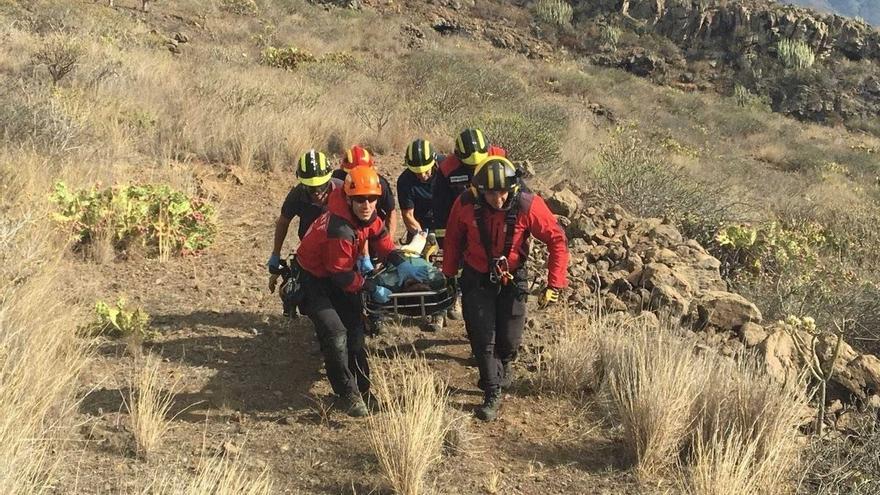 Foto facilitada por los medios de rescate sobre la evacuación de esta tarde