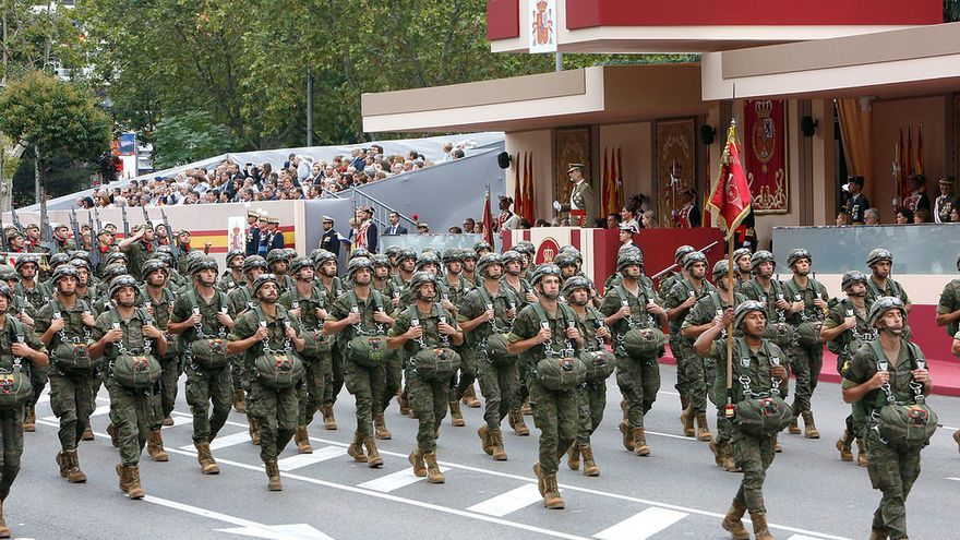 Militares desfilando el 12 octubre en Madrid