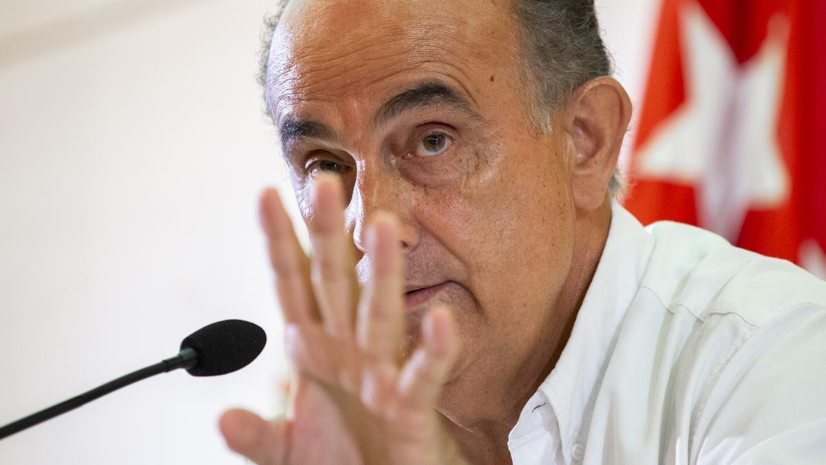 El viceconsejero de Sanidad, Antonio Zapatero, en rueda de prensa.