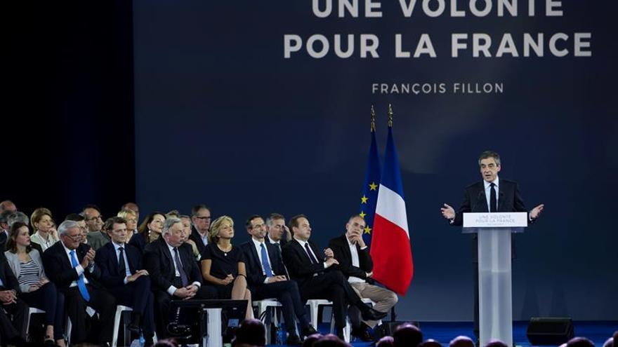 Fillon: He resistido a todo y estaré en la segunda vuelta de las elecciones