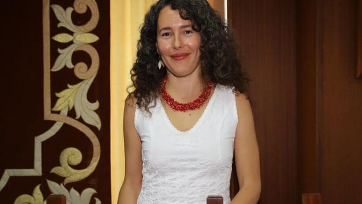 La diputada Ariagona González .