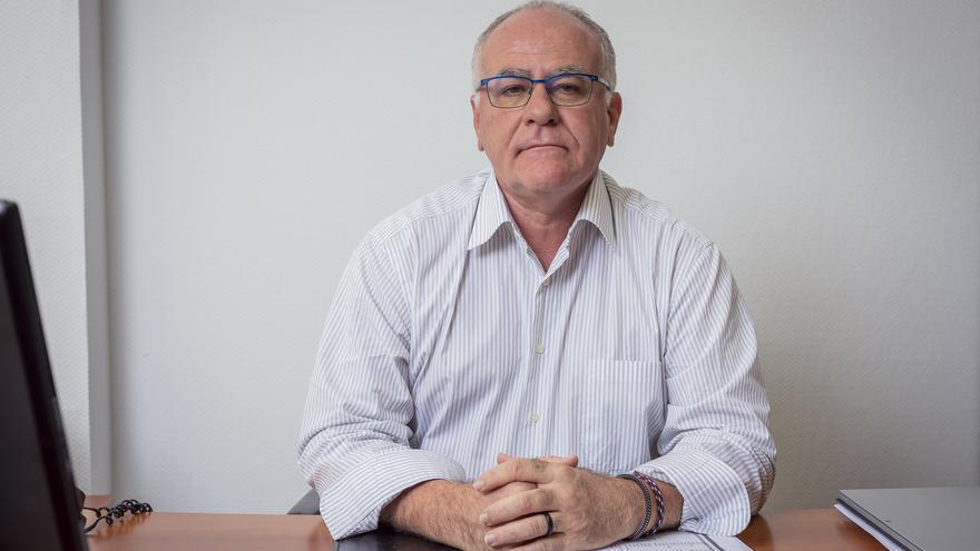 Resultado de imagen de consejero de aguas de La Palma Carlos Cabrera
