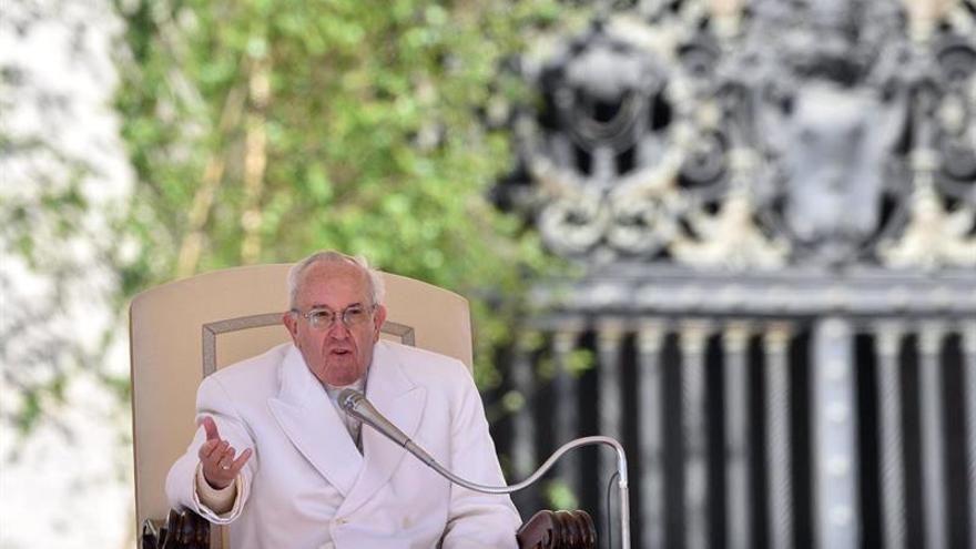 El Vaticano indica su disponibilidad para fijar audiencia del papa a Trump