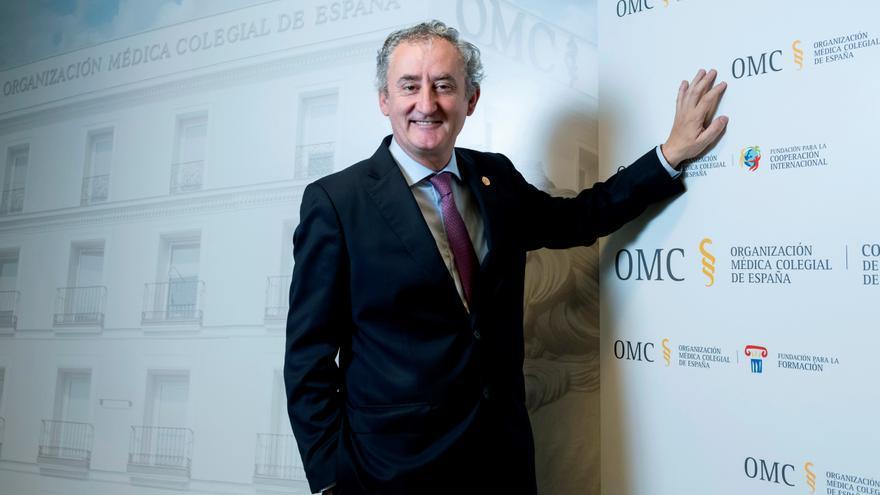El doctor Tomás Cobo, nuevo presidente de los colegios de médicos