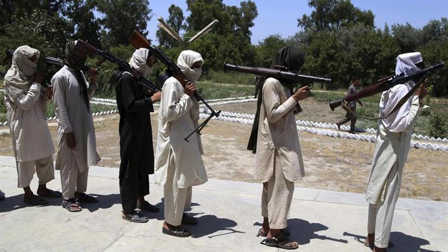 Muere más de medio centenar de talibanes en una operación militar en Afganistán